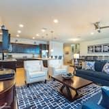 Villa, 6 Bedrooms - Living Area