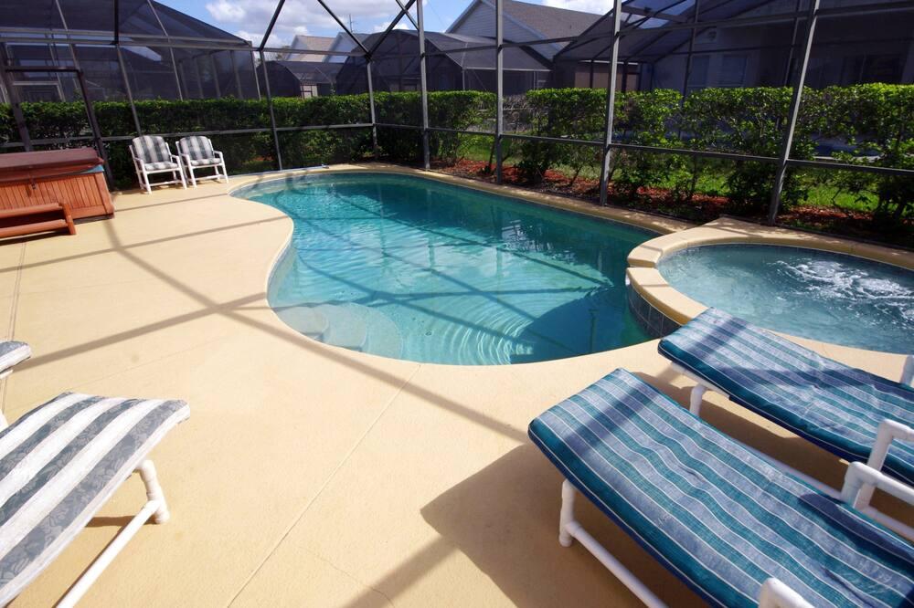 Hus - 4 soveværelser - Indendørs pool