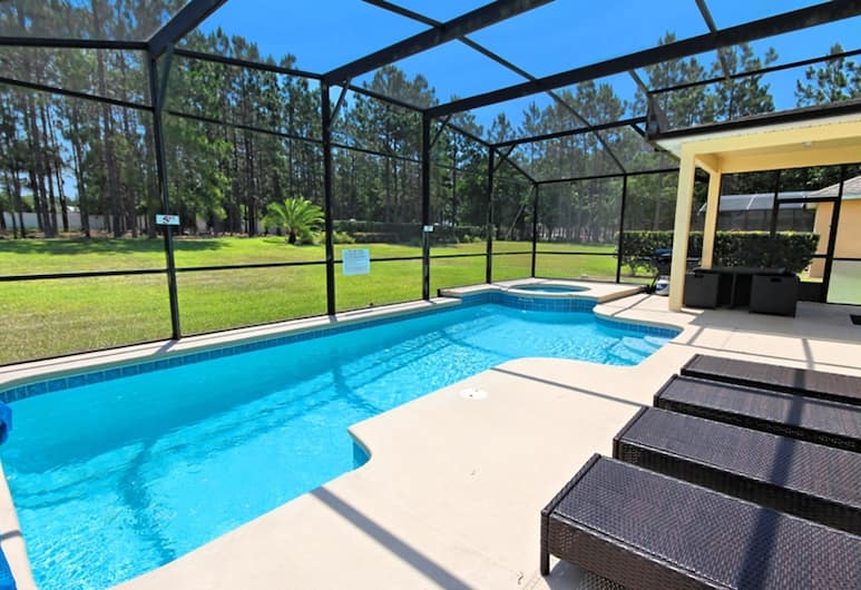Highlands Reserve Golf & Country Club Six-bedroom, Davenport