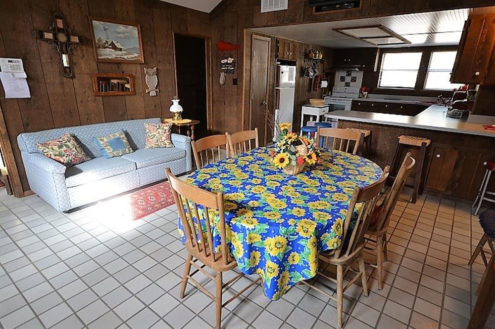Kuća, 2 spavaće sobe - Obroci u sobi