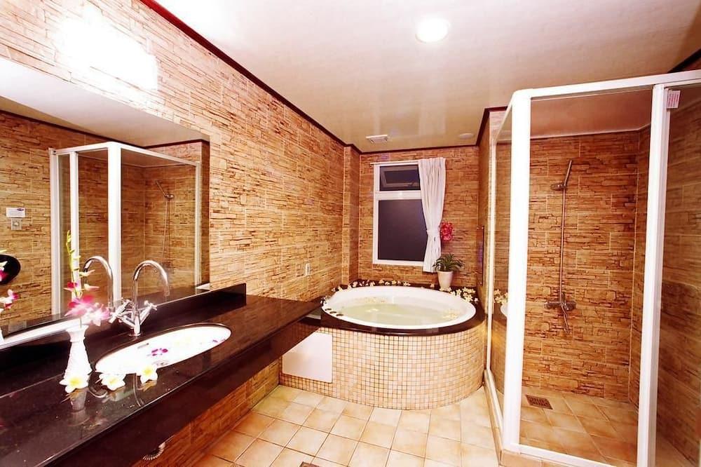 Phòng đôi tiện nghi đơn giản - Phòng tắm