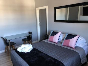 Introduce sus fechas y vea precios de hoteles última hora en Newcastle