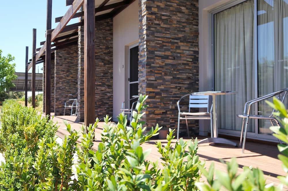 Apartament luksusowy, Łóżko queen i sofa - Taras/patio