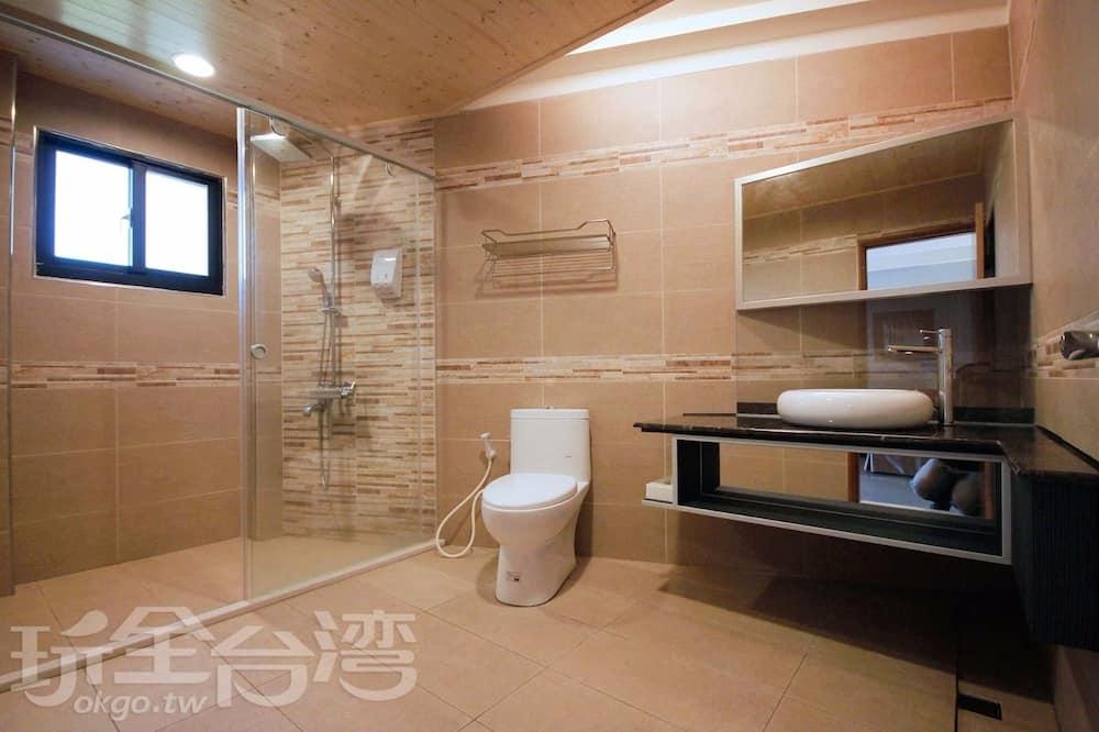 精緻四人房, 2 張標準雙人床, 非吸煙房, 海灣景 - 浴室
