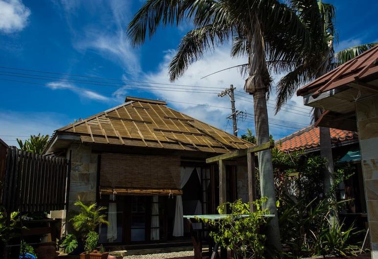 Guest house cago, Taketomi, Piscina Exterior