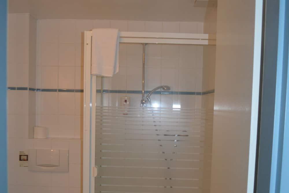 Chambre Simple - Douche de la salle de bain