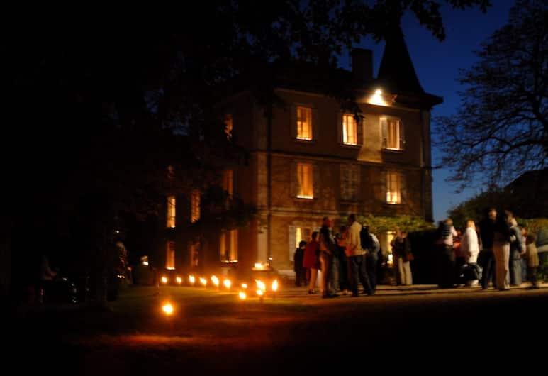 Château de la Fléchère, Blace, Hotel Front – Evening/Night