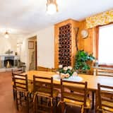 Family Apartment, Multiple Beds, Terrace, Mountain View - In-Room Dining