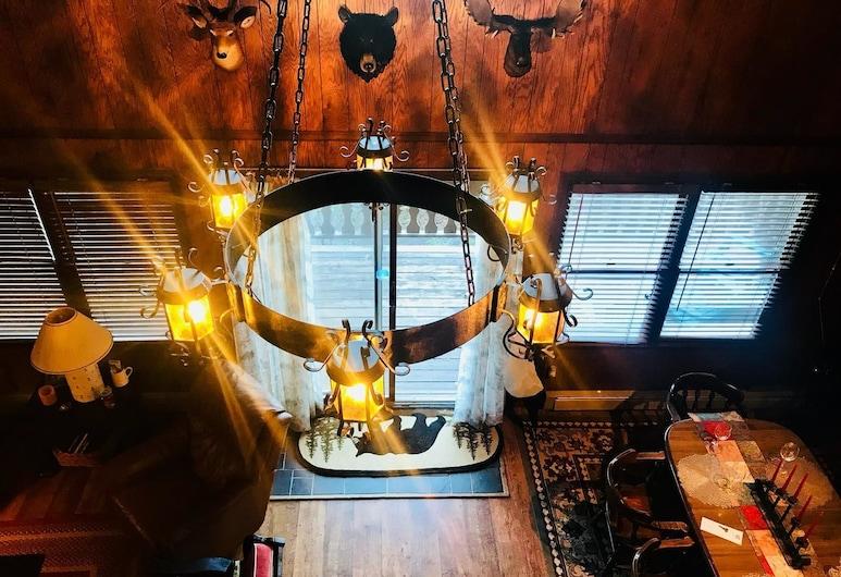 Unforgettable Dreams, Banner Elk, Standard Cabin, Multiple Beds, Non Smoking, Interior Entrance