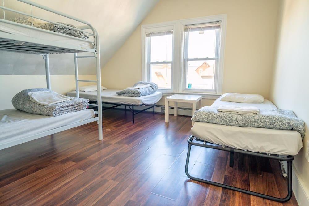 Négyágyas szoba, több ágy, nemdohányzó - Vendégszoba