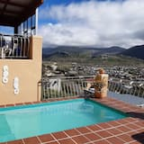 Family Cottage, 2 Bedrooms, Partial Ocean View - Private pool