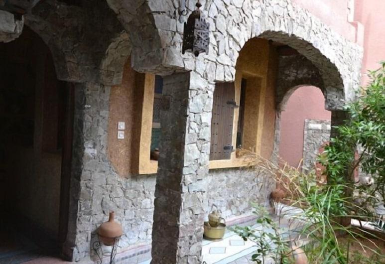 Gîte Kasbah Tiznit, Tnine Aglou, Hotel Entrance