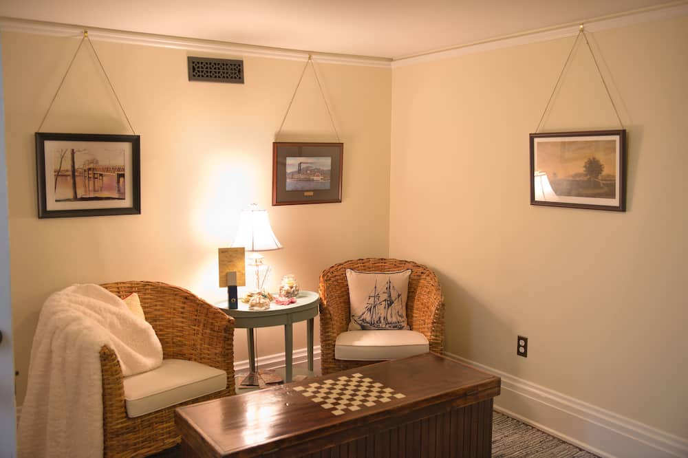 The Belvedere Suite - Living Room