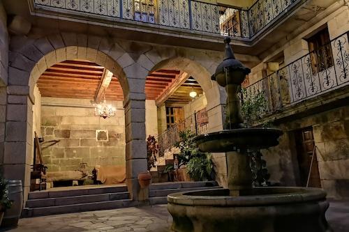 特比斯蓋多帕左酒店/