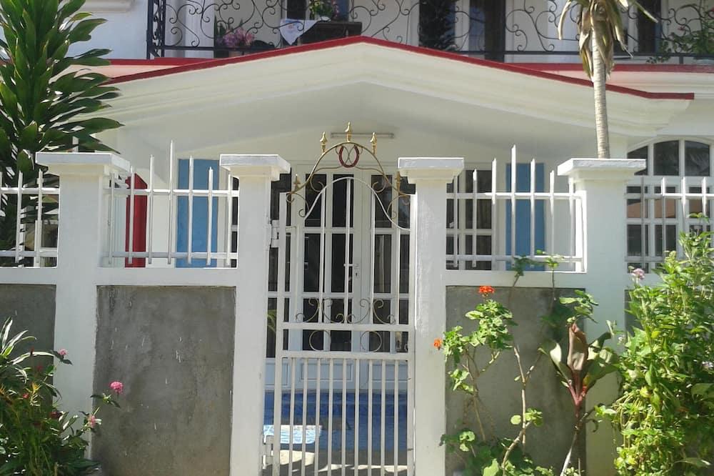Villa Fleurie: Beautiful Sunny House