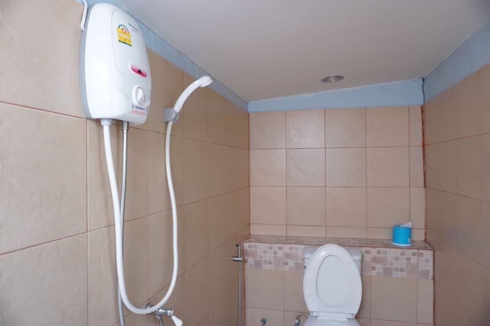 Standard-Dreibettzimmer, Nichtraucher - Badezimmer