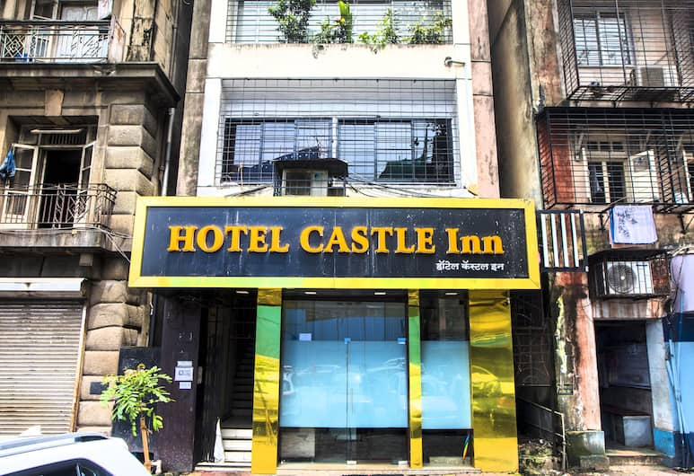 FabHotel Castle Inn, Mumbai, Hotel Entrance