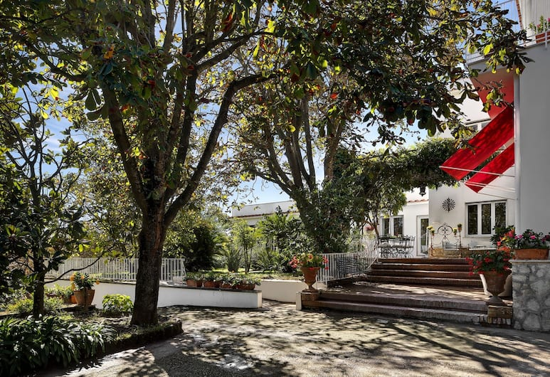 La Casa Bianca - Pool and Garden, Massa Lubrense