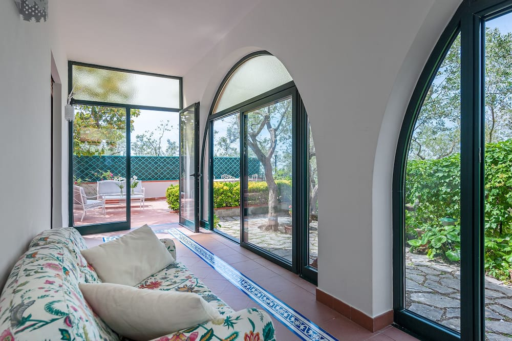 Villa, 3 Bedrooms, Non Smoking - Living Area