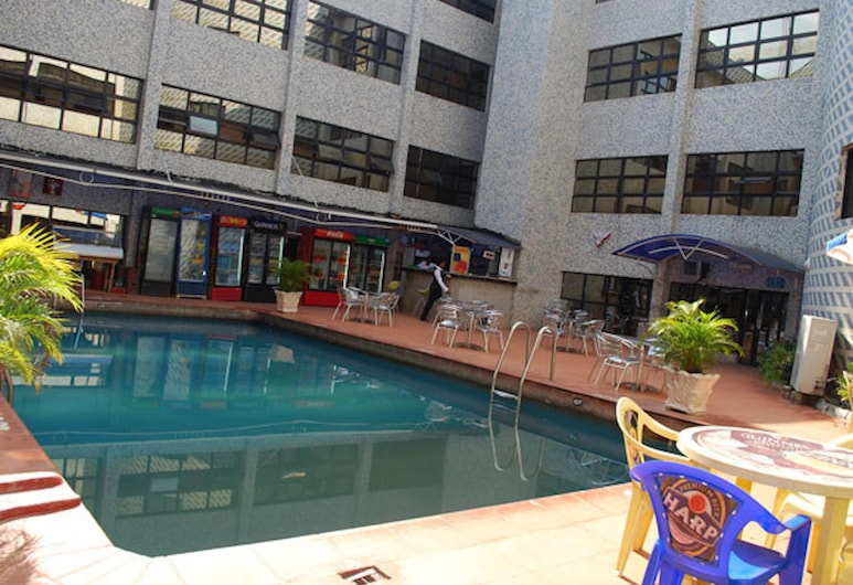 Royal Marble Hotel, Benin City, Útilaug