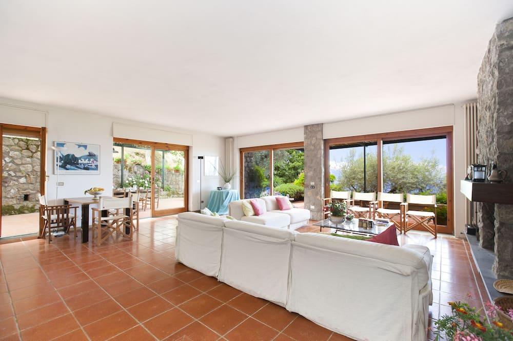 Villa, 3 Bedrooms, Sea View - Living Area