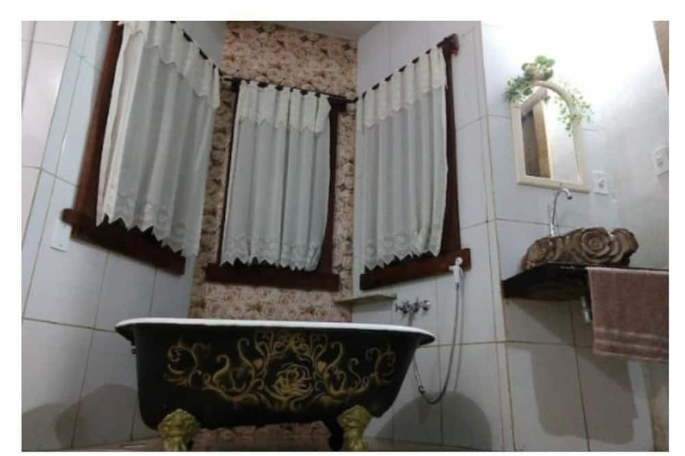 Double Room, 1 Double Bed, Balcony, Mountain View - Deep Soaking Bathtub