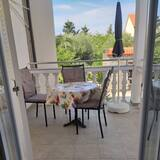 Hot Beat Of Sea In Area 1 Apartment 2 for 3 - Balkon