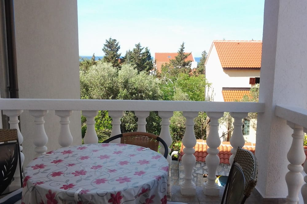 Hot Beat Of Sea In Area 1 Apartment 5 for 3 - Balkon