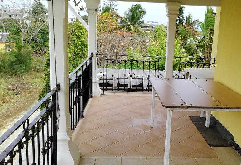 House With one Bedroom in Trou aux Biches Beach, With Furnished Garden and Wifi - 250 m From the Beach, Trou aux Biches, Balcón