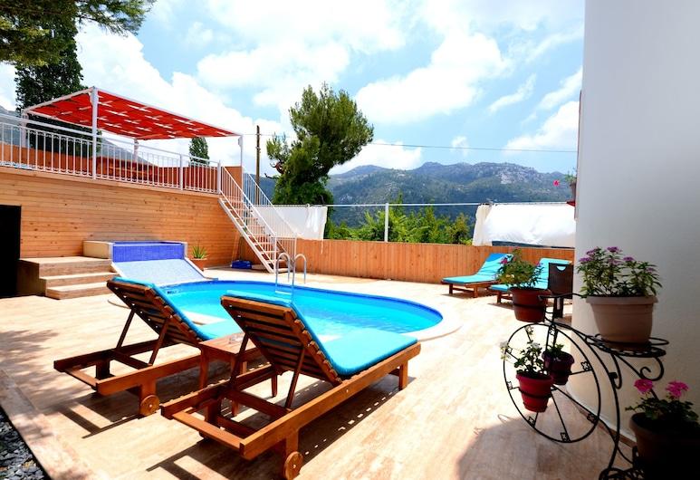 Villa Muge, Kas, Vonkajší bazén