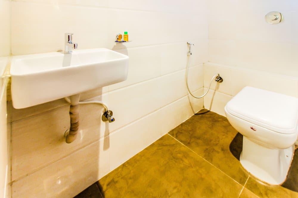 Deluxe-Zimmer, 1 Doppelbett, Nichtraucher - Badezimmer