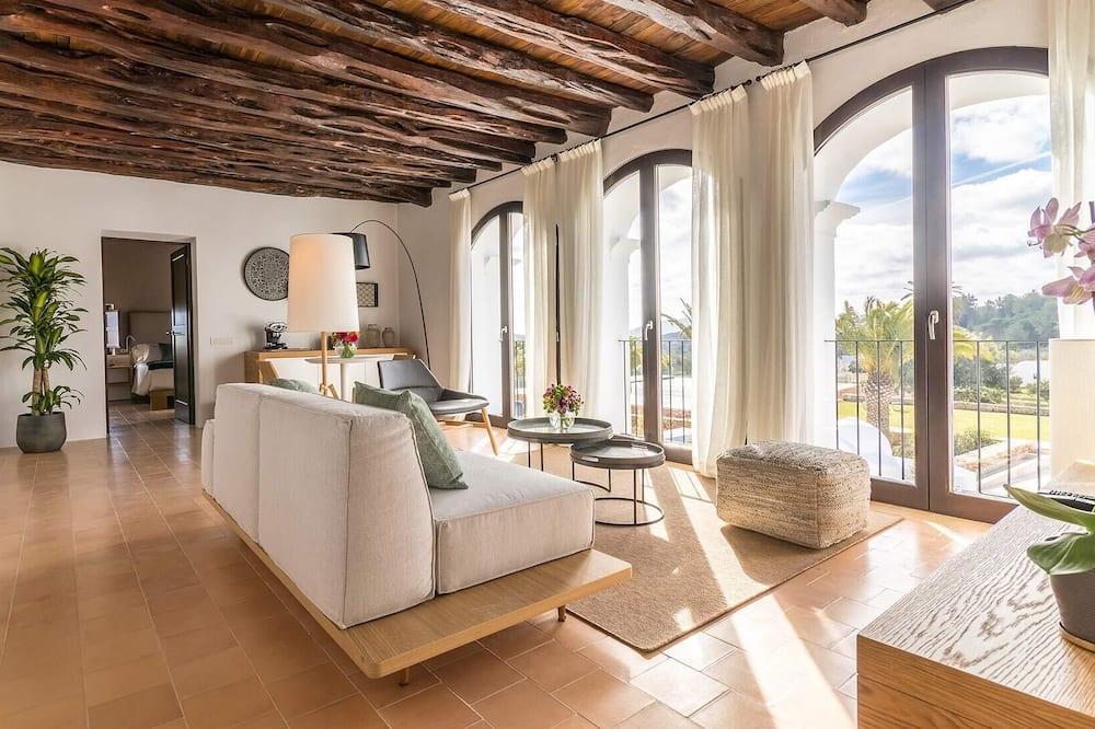 Superior Studio Suite - Living Room
