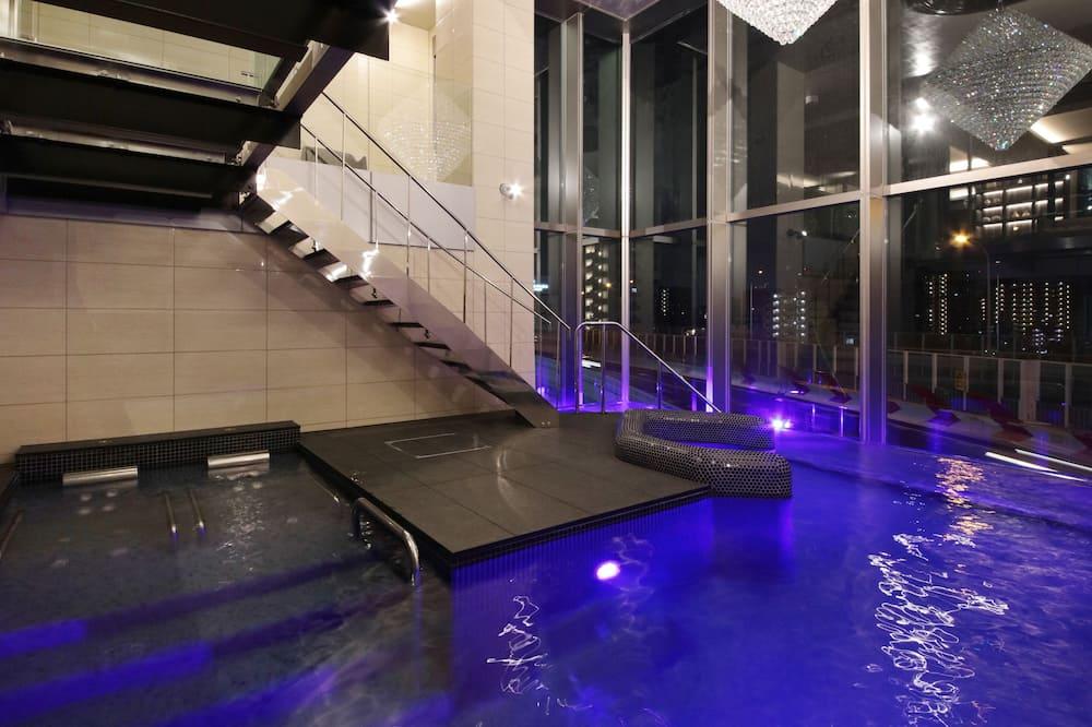 Люкс «Премиум», Несколько кроватей - Индивидуальный бассейн