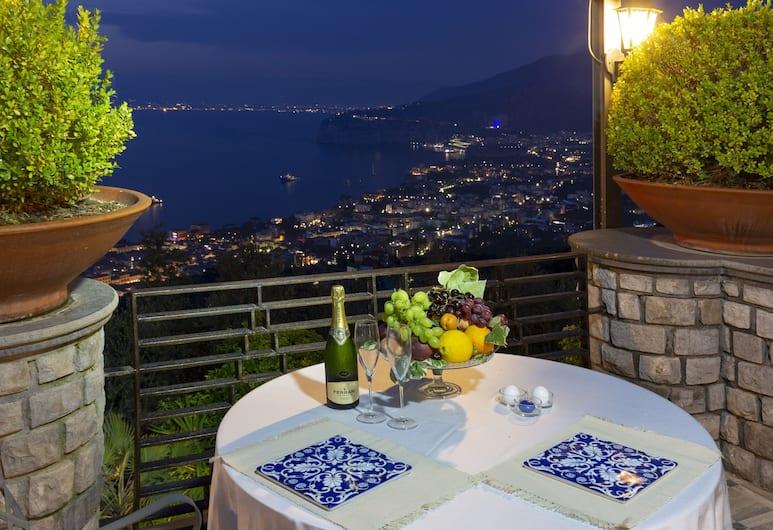 Romantic Relais Sorrento, Sorrento, Outdoor Dining