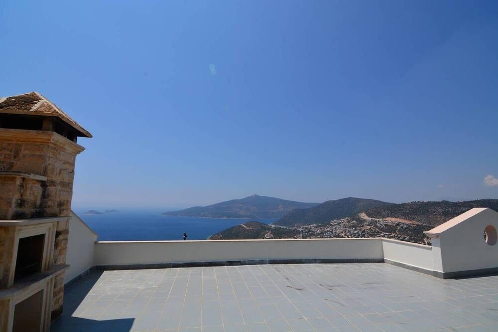 Villa, vaade merele - Terrass