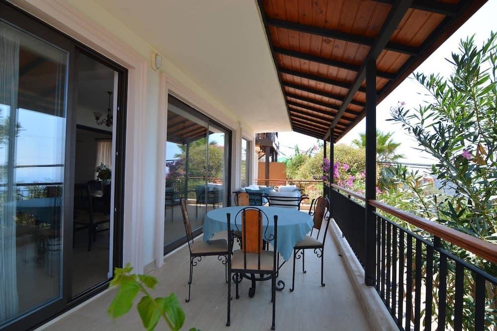 Villa, vaade merele - Rõdu