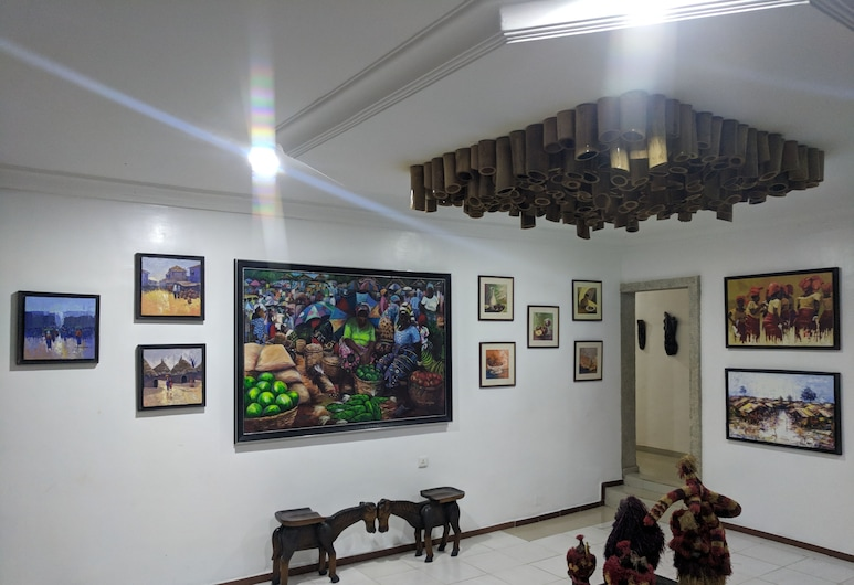 NatureMark Gallery and Guest House, Uyo, Lobby