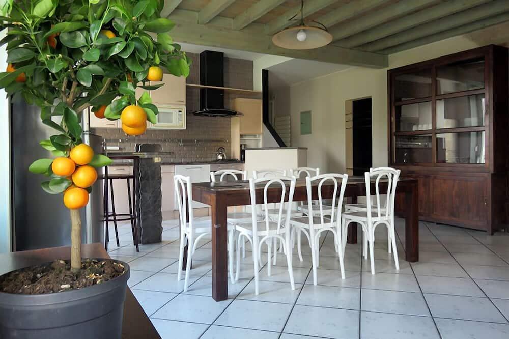 Apartman, 3 spavaće sobe, za nepušače - Obroci u sobi