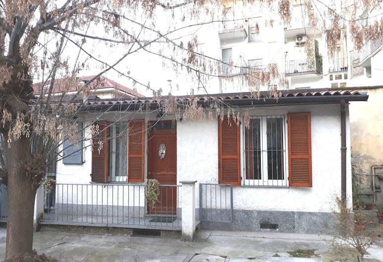 Casa Sarre, Turin