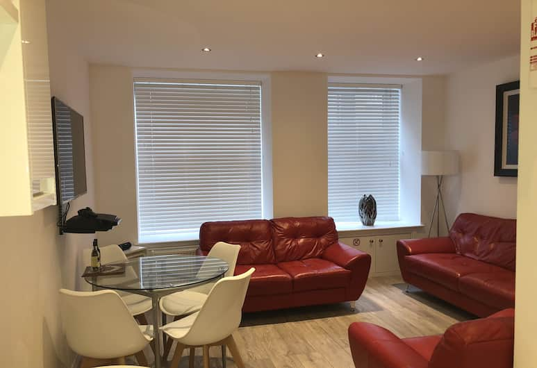 Chapel Apartments, Aberdeen, Luxury Apartment, 2 Double Beds, Accessible, City View, Living Area