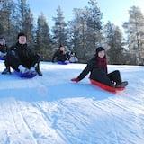 تزلج على الجليد بالزلاجة
