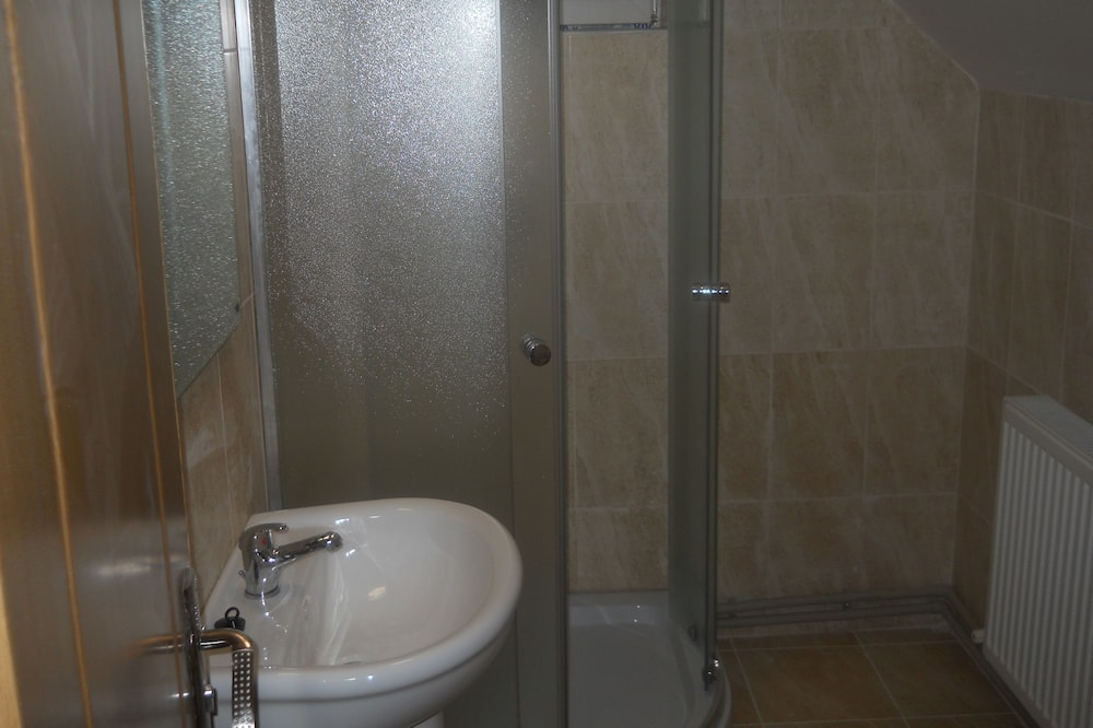 Family Triple Room, Mountain View - Bathroom