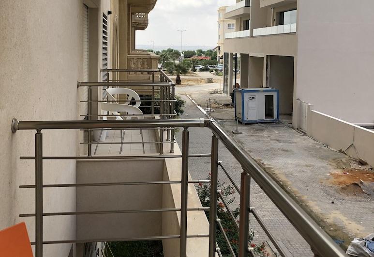Spacious & Secure & Jacuzzi, Tunis, Apartmán, Balkón