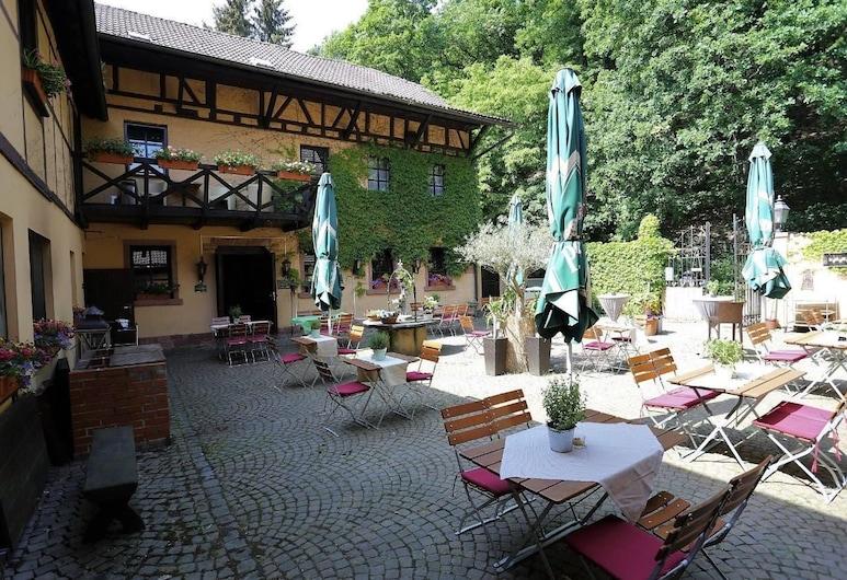 Landhotel Burkartsmühle, Hofheim am Taunus, Terrasse/patio