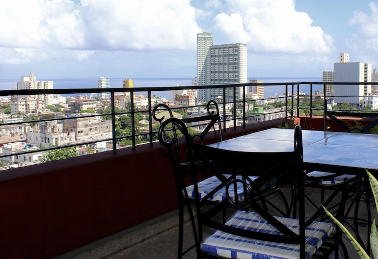 Havana Views - Reguera's Apartment, Havana, Economy Apartment, 1 Double Bed, Non Smoking, Balkon