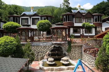 Picture of Abant Manzara Otel - Alcohol Free Family Hotel in Bolu