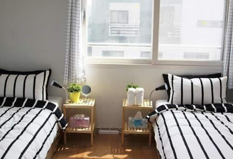 Airbuddy Guesthouse - Hostel, Incheon, Family Room, Guest Room