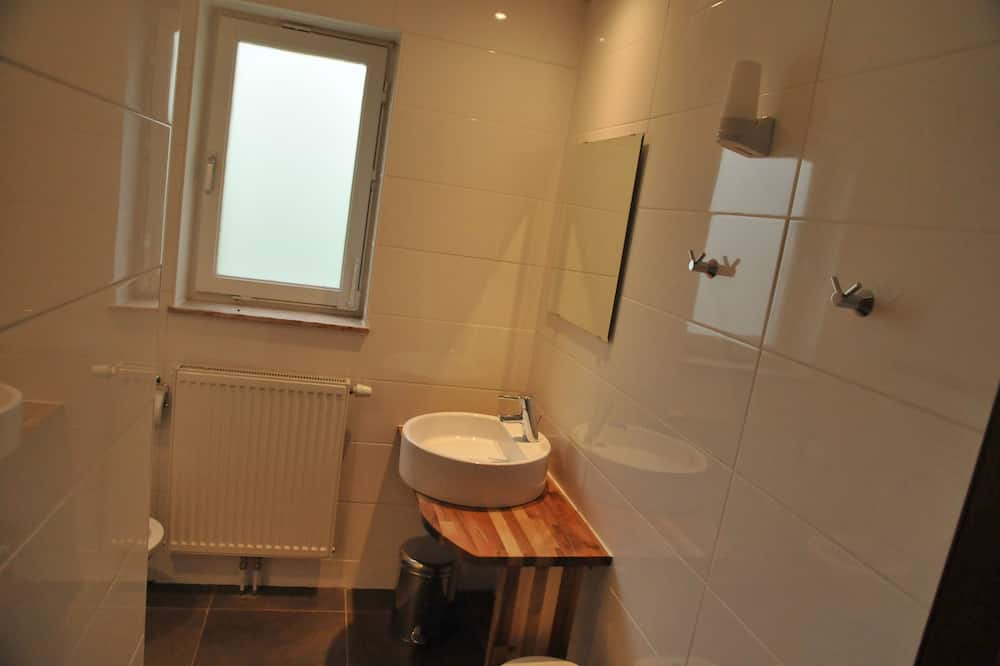 Comfort-talo, Useita makuuhuoneita - Kylpyhuone