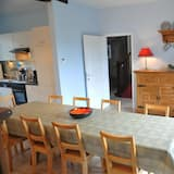 Comfort Cottage, 4 Bedrooms - In-Room Dining