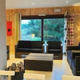 Comfort Chalet, Multiple Bedrooms - Living Area
